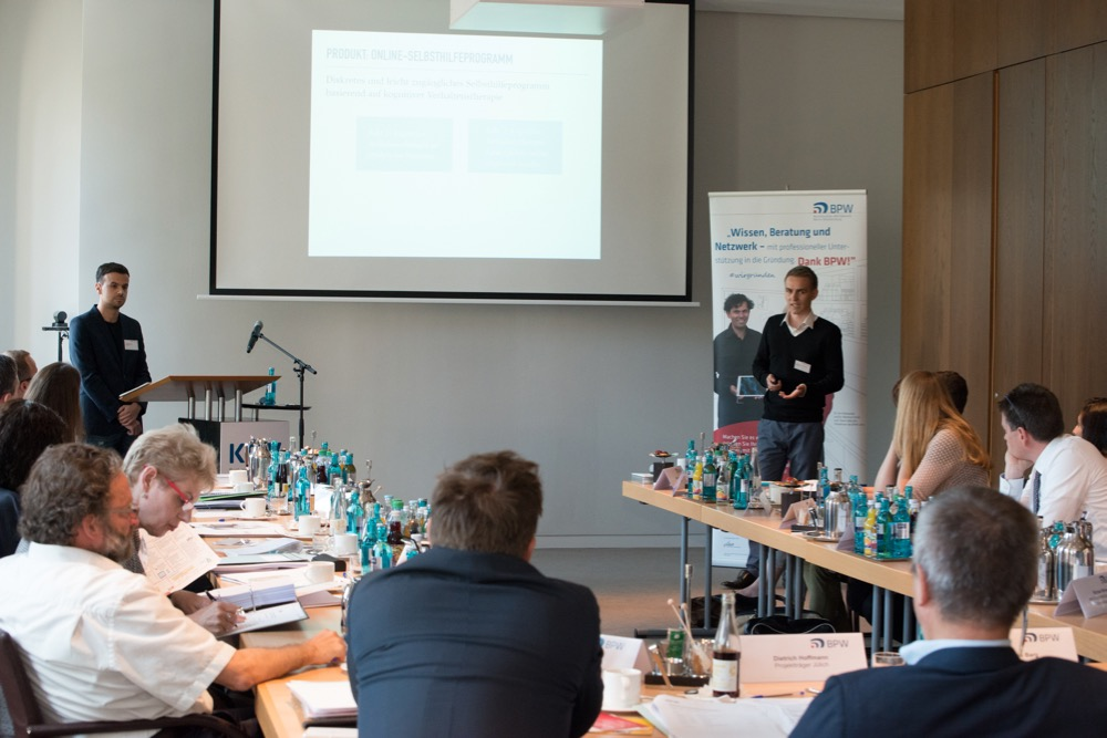 Presenting at the business plan competition BPW Berlin Brandenburg